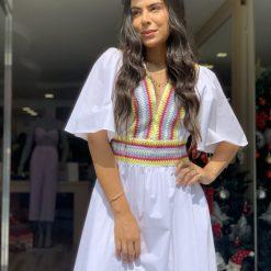 Vestido longo com bordado